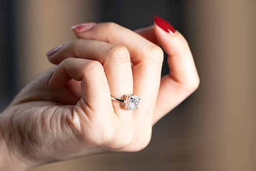 Blog Why Are Wedding Bands Worn On The Left Hand